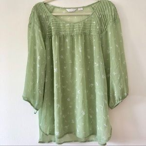 LC Lauren Conrad top , green with white flowers 2X